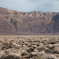 The Devils Golf Course and Panamint Mountains.- Devils Golf Course