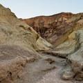 Hiking through Golden Canyon.- Golden Canyon
