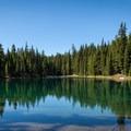 Rockpile Lake.- Diamond Peak, Marie + Rockpile Lakes