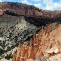 The Hat Shop amid Bryce Canyon's distinctive hoodoos.- Under-the-Rim Trail to Hat Point