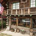 Allenspark Lodge.- Allenspark Lodge Bed + Breakfast