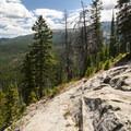 Viewpoint en route to Lake Haiyaha.- Lake Haiyaha Hike