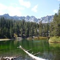 Emerald Lake.- Emerald Lake + Sky Meadow Hike