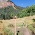 Very few signs on trail. It is a good idea to sign in on the book, just in case.- Ice Lake + Island Lake Hike
