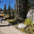 Sunday morning stroll during autumn.- Cecret Lake
