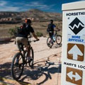 The turnoff from Mary's Loop down to the start of Horsethief.- Kokopelli Loops Mountain Bike Trails: Horsethief Bench