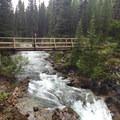 Crossing Bryant Creek.- Lake Magog Hike via Bryant Creek + Wonder Pass
