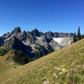 The Chimney Peaks.- Tamanos Mountain Hike
