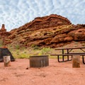 Red rock scenery in Ledge B.- Kane Creek Camping