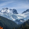 The view of the Matier Glacier from Lower Joffre Lake.- Joffre Lakes Hike