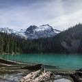 Middle Joffre Lake.- Joffre Lakes Hike