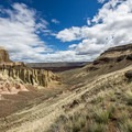Hiking down into Chalk Basin.- Owyhee River: Rome to Birch Creek