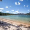 Redfish Lake.- Redfish Lake Outlet Day Use Area