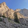 Steep cliffs of the Hellroaring Plateau.- Black Canyon Lake