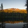 Diamond Peak sunrise.- Yoran Lake Trail