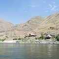 Private houses along the Snake River.- Lower Main Salmon River: Pine Bar to Heller Bar