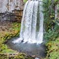 Warm Springs Falls cascading over basalt cliffs.- Warm Springs Falls