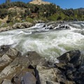 Troublemaker rapid (Class III+).- South Fork of the American River: Chili Bar to Coloma
