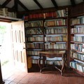 Community library at Casa Mojanda.- Casa Mojanda