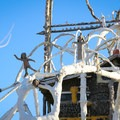 Sculpture atop the main cabin.- Thunder Mountain Monument