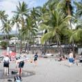 Kahalu'u Beach south of Kailua-Kona.- Kahalu'u Beach