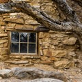 Stone cabin.- Eagle Cliff Mine Hike