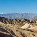 Death Valley and the Panamint Mountains.- Badlands Loop Hike