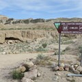 Owl Canyon Trailhead.- Owl Canyon hike