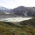 From a higher vantage point, both Mueller and Hooker lakes can be seen.- Mueller Hut Route