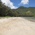 Kahana Bay Beach.- Kahana Bay Beach