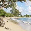 Kalae'O'iO Beach is quite long.- Kalae'O'iO Beach Park