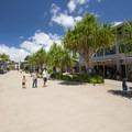 Pearl Harbor Historic Sites public plaza.- Pearl Harbor Historic Sites