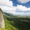 View north of the windward side of O'ahu's Ko'olau Range from the Nu'uanu Pali Lookout.- Nu'uanu Pali Lookout