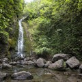 Lulumahu Falls.- Lulumahu Falls Hike