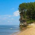 Bluffs over Fossil Beach.- Fossil Beach