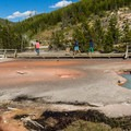 Artist Paintpots Trail.- Artist Paintpots Hike