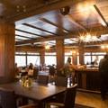The lounge.- Old Faithful Inn