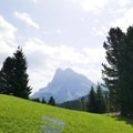 Alta Via No. 2 and the Odle-Puez Nature Park in the Dolomites.- Alta Via No. 2