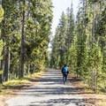 Lone Star Geyser Trail.- Lone Star Geyser Hike