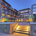 The plaza at the Limelight Hotel Ketchum.- The Limelight Hotel-Ketchum