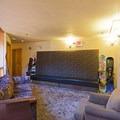 Upstairs lounge.- Hot Water Inn