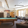 Billiards hall and lounge.- Hot Water Inn