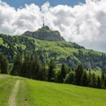From the start of the hike you can see the summit of Hoher Kasten with its distinctive tower and the gondola up to the summit.- Alpstein Geological Path