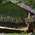 The hike to Pozo Azul will take you though the backyards of local people. Just follow the signs and you can't get lost.- Mundo Nuevo to Pozo Azul to Minca Loop