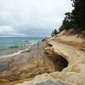 Sandstone layers at Mosquito Beach.- Chapel Falls to Mosquito Falls Loop