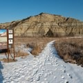 Caprock Coulee trailhead.- Caprock Coulee Trail