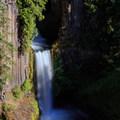 Broken light on Toketee Falls.- Toketee Falls