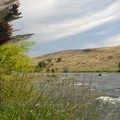 View of the river from Deschutes River State Recreation Area.- Best Year-Round Camping in Oregon