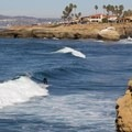 Surfing along Sunset Cliffs.- 10 Reasons to Adventure in Southern California in the Winter