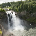 Snoqualmie Falls and Salish Lodge.- 5 Must-See Waterfalls in Washington State